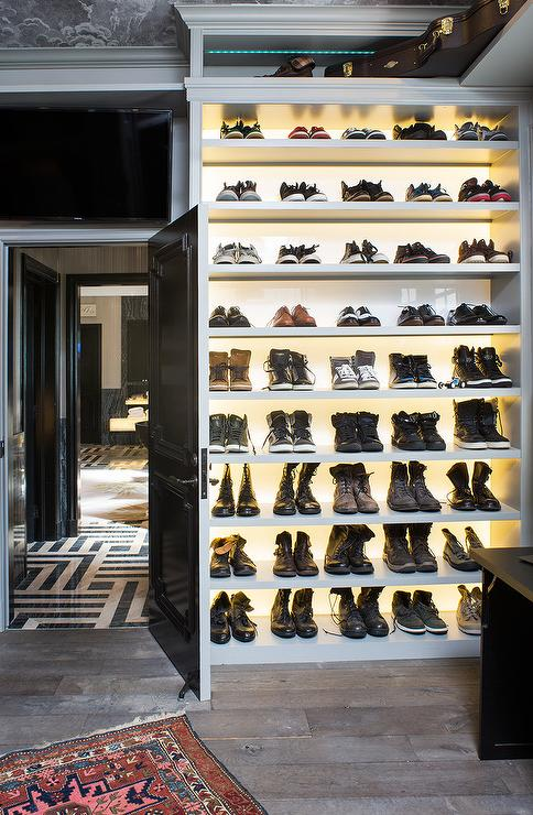 Good Custom Lighted Shoe Shelves