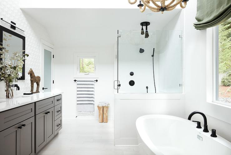 Oval Bathtub with Deck Mount Oil Rubbed Bronze Tub Filler ...