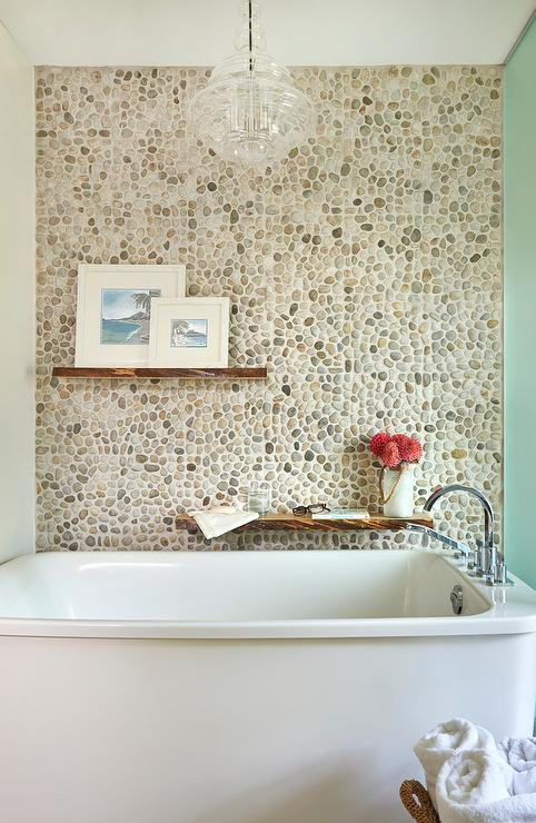 Pebbled Accent Wall Over Bathtub