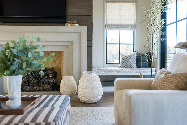 Shiplap fireplace wall design ideas for Well decorated living rooms