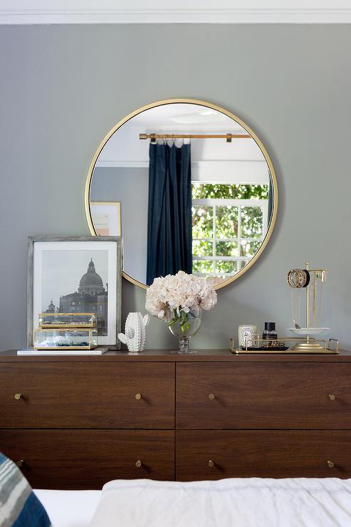 Mirror Above Dresser Design Ideas, What Size Mirror For Dresser