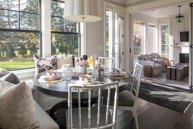 Astounding Built In Sunroom Bench Design Ideas Gmtry Best Dining Table And Chair Ideas Images Gmtryco