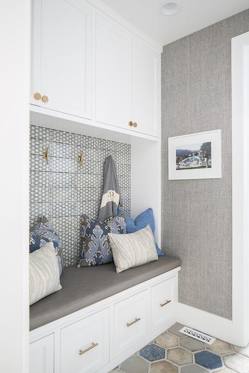 Swell Blue And Gray Hexagon Mudroom Floor Tiles Transitional Creativecarmelina Interior Chair Design Creativecarmelinacom