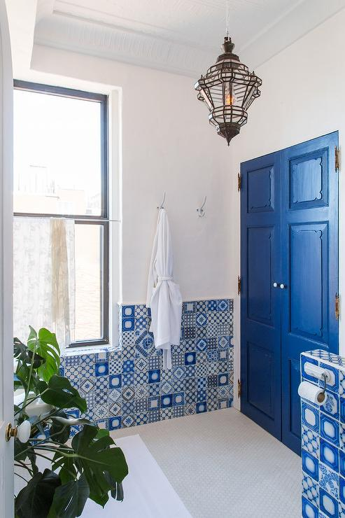 White And Blue Mosaic Patchwork Tiles