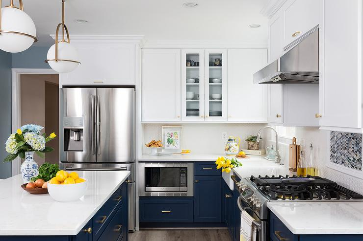navy blue lower cabinets and white upper cabinets transitional kitchen. Black Bedroom Furniture Sets. Home Design Ideas