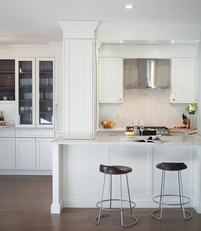 High End White Kitchen: Kitchen Peninsula
