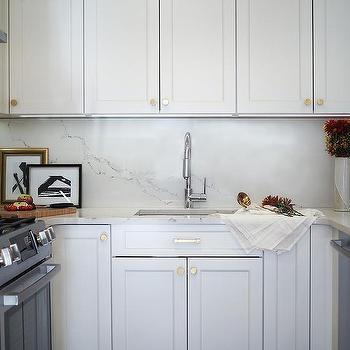 White Marble Replica Kitchen Backsplash Design Ideas