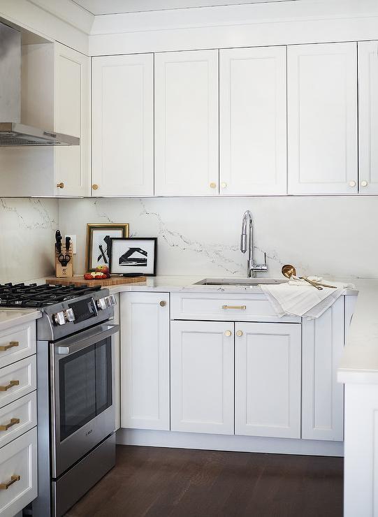 U Shaped Kitchen With Sink Under Cabinets Transitional Kitchen