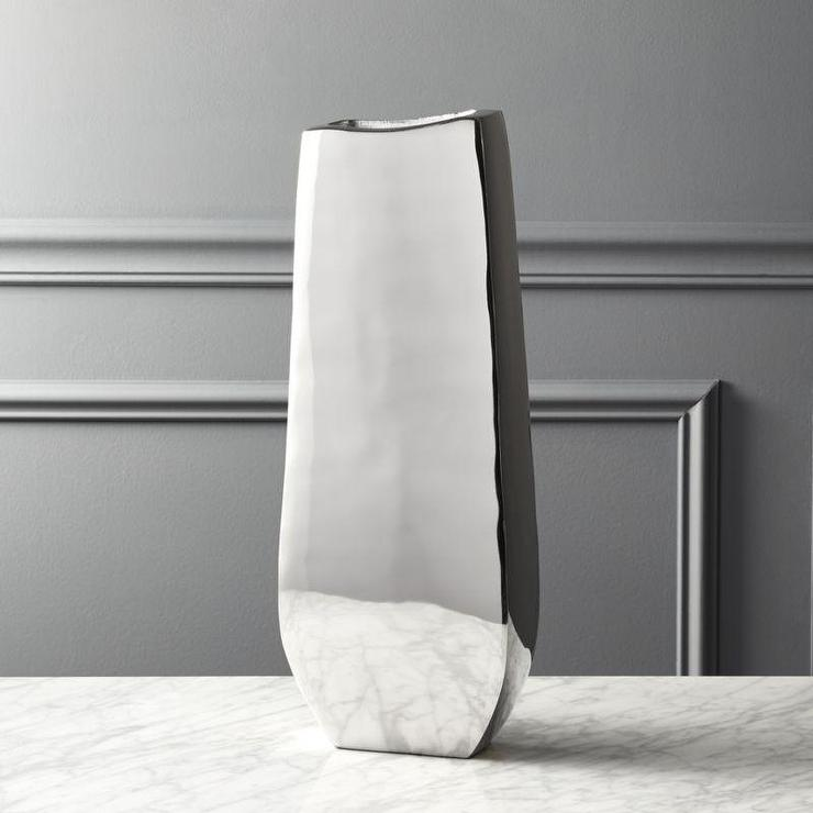 Links Geometric Silver Aluminum Vase