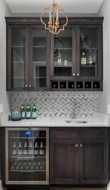 Wet bar mini fridge design ideas - Wet bar cabinets ...
