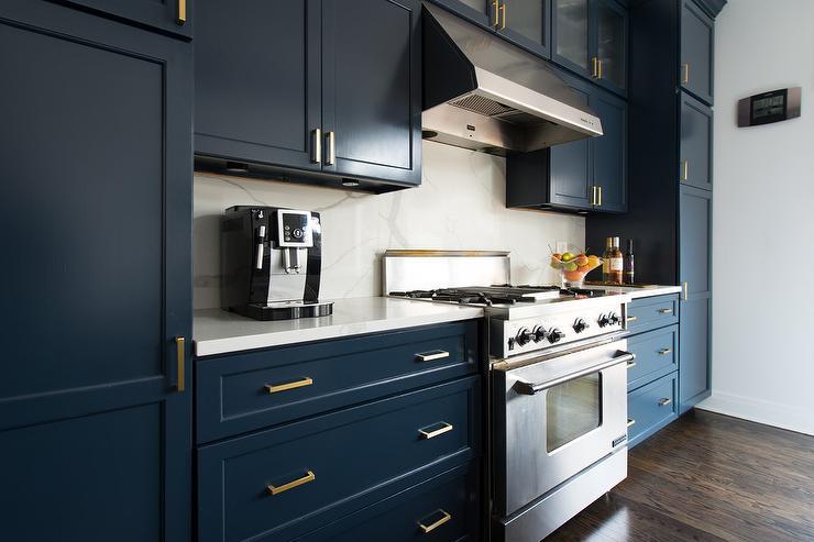 Navy Shaker Cabinets With White Marble Slab Backsplash Transitional Kitchen