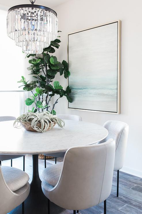 Round Marble Top Tulip Dining Table With White Leather Chairs - Marble top dining table with leather chairs