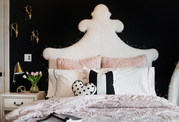 Black and White Girls Bedroom with Pink Pin Tuck Duvet and ...