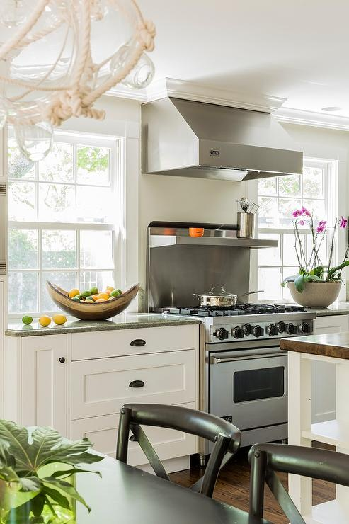 Kitchen Hood Flanked By Windows Design Ideas