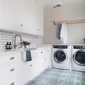 Laundry Room Hanging Drying Rack Design Ideas