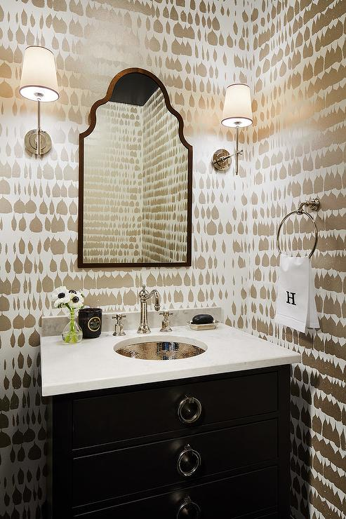 Chaises De Ginger Wallpaper Transitional Bathroom