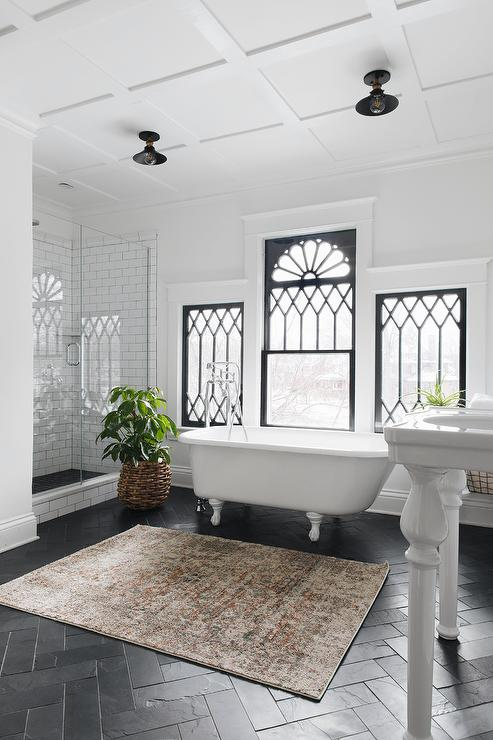 Bathroom Clawfoot Tub Ideas