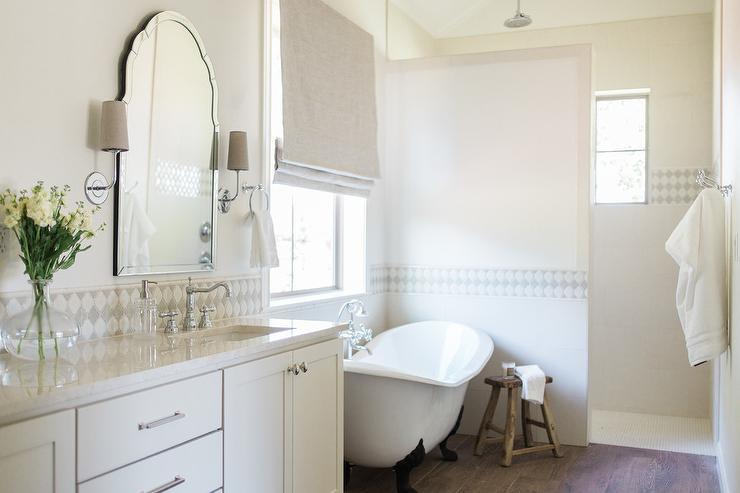 Diamond Pattern Mirrored Backsplash Contemporary Bathroom