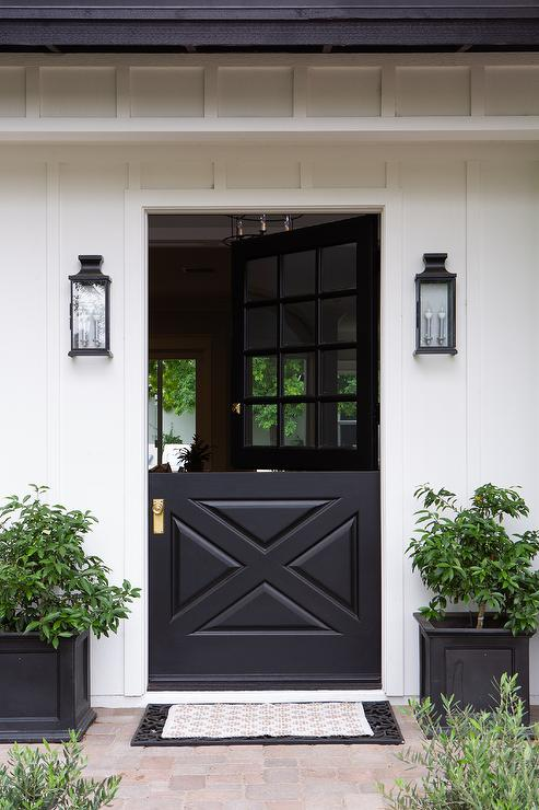 Charmant Black Dutch Door With Carriage Lanterns