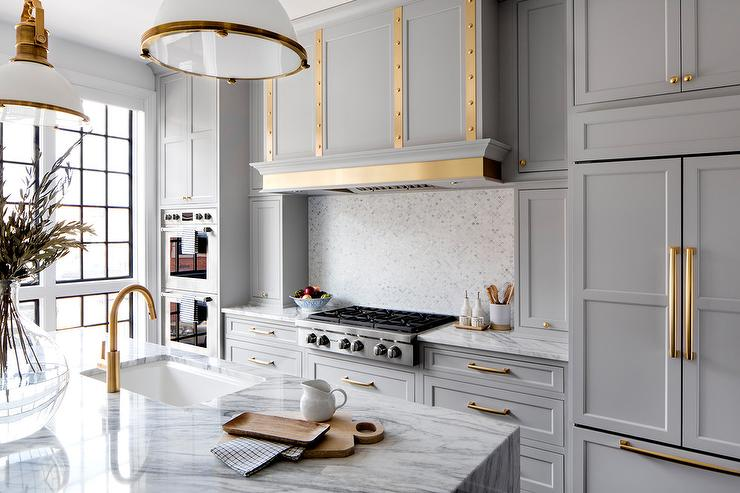 White And Gold Mosaic Kitchen Backsplash Tiles
