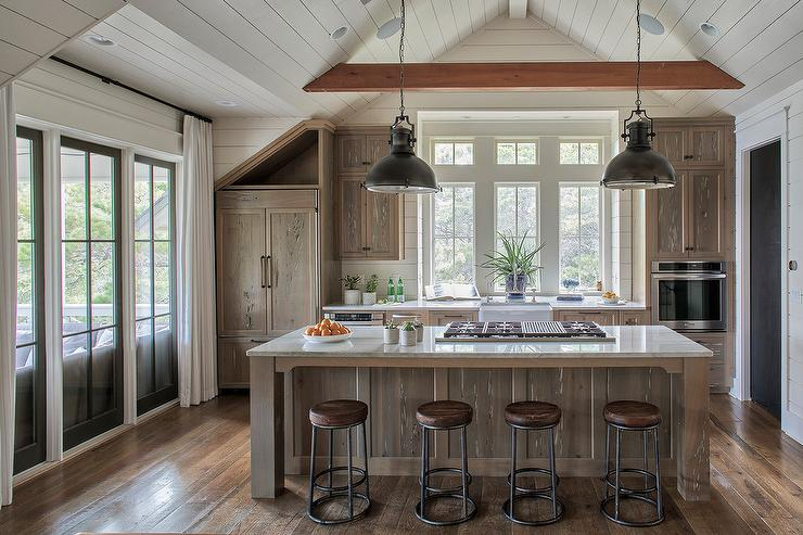 Pecky Cypress Kitchen Cabinets with Farmhouse Sink & Pecky Cypress Kitchen Cabinets with Farmhouse Sink - Country - Kitchen