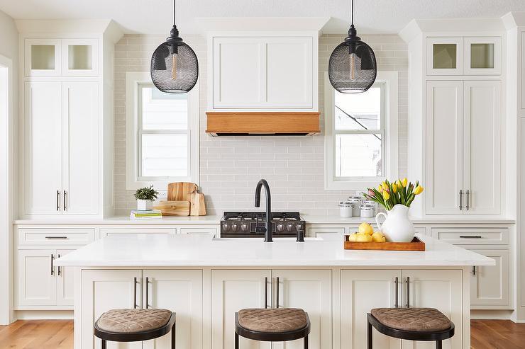 Light Grey Glass Backsplash: Light Gray Glass Backsplash Tiles With White Shaker
