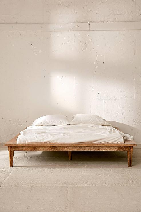 Astoria Turned Leg Platform Bed