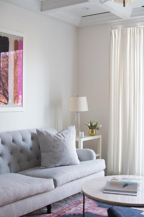 Pink Couch Gray Living Room: Gray Tufted Sofa With Pink And Blue Rug