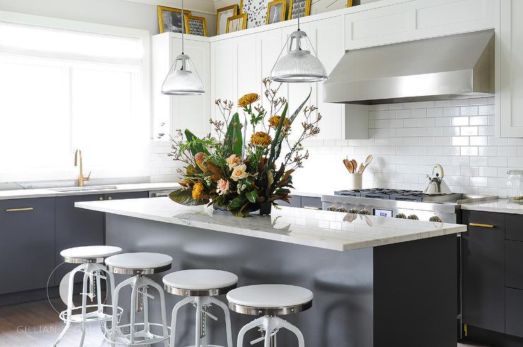 Kitchen With No Upper Cabinets Design Ideas