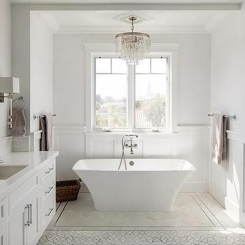 Freestanding Bathtub With Wainscoting