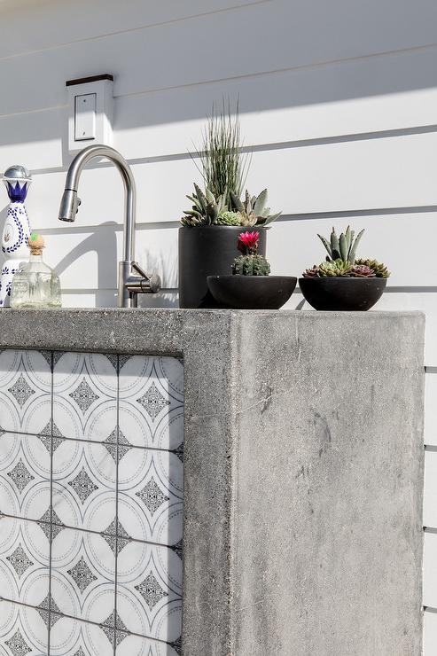 Concrete Waterfall Outdoor kItchen with White and Gray ...
