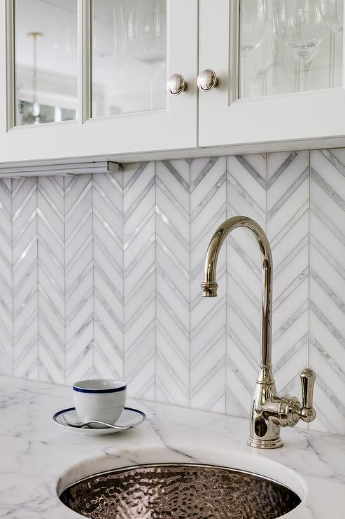 Merveilleux Hammered Nickel Bar Sink With Marble Countertop