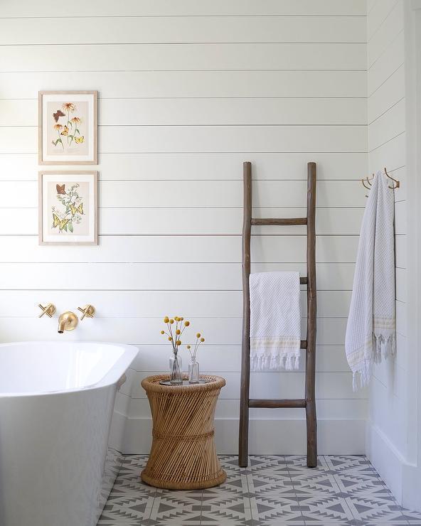 Concrete Bathtub Contemporary Bathroom