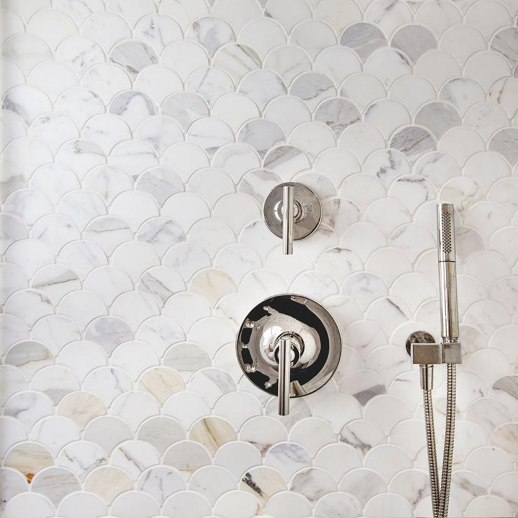 Calacatta Gold Marble Fan Shaped Shower Wall Tiles