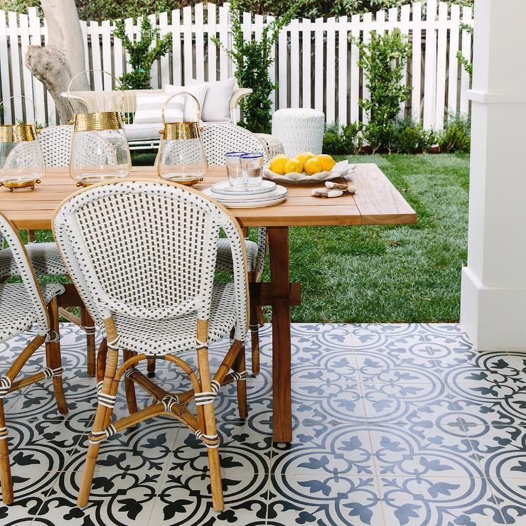 Pleasing Black And White Quatrefoil Cement Patio Floor Tiles Uwap Interior Chair Design Uwaporg