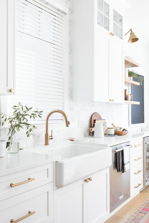 Brushed Gold Gooseneck Faucet With Farmhouse Sink
