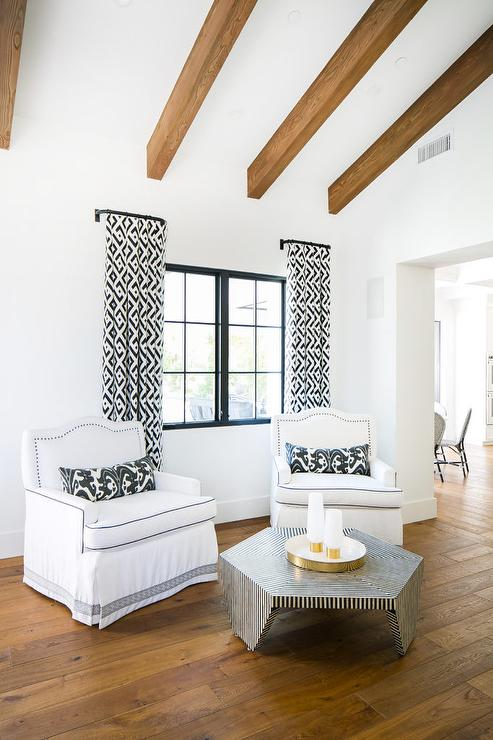 Phenomenal White Camelback Accent Chairs With Black Stripe Coffee Table Inzonedesignstudio Interior Chair Design Inzonedesignstudiocom