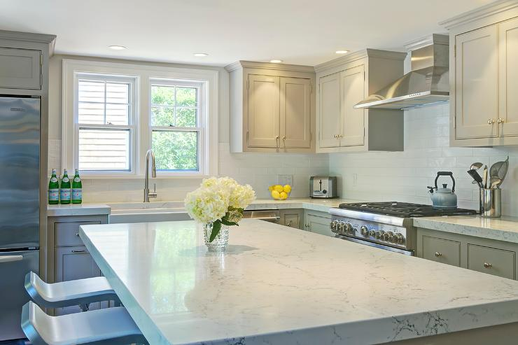 White Glazed Crackle Tiles with Glossy Gray Cabinets ...