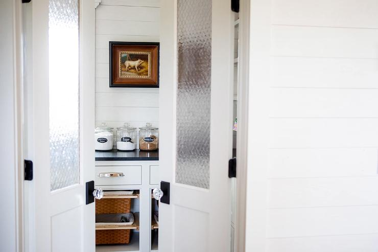 Farmhouse Style Pantry With Bi Fold Seeded Doors Country Kitchen