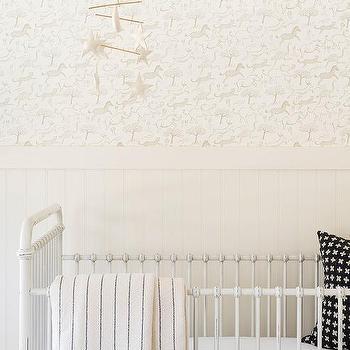 Nursery Safari Wallpaper Design Ideas