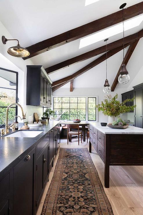 Chocolate Brown Kitchen Cabinets Design, Kitchen Pictures With Dark Brown Cabinets