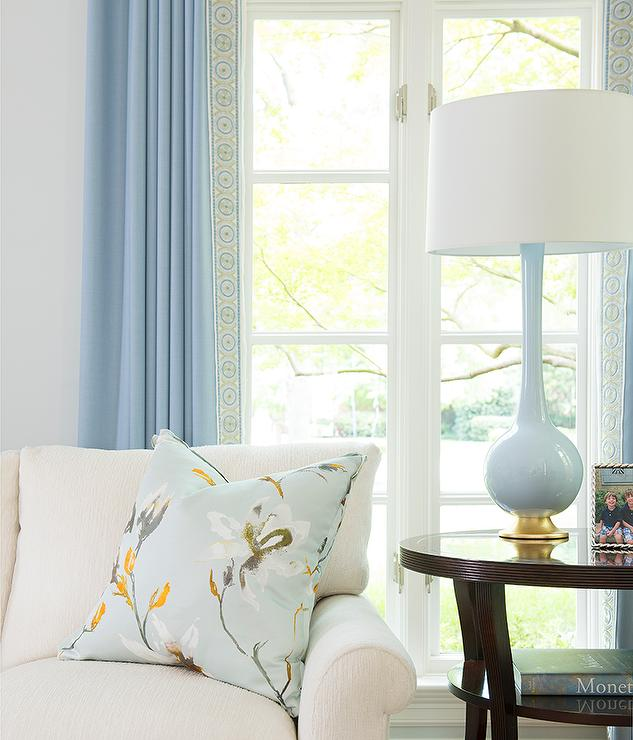 Fabulous White Sofa With Blue Lamp Transitional Living Room Gamerscity Chair Design For Home Gamerscityorg