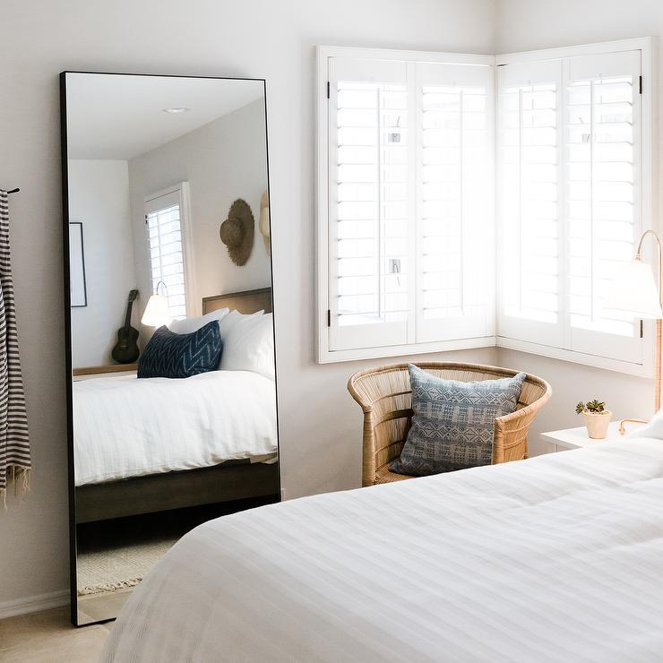 Bedroom Corner Mirror Design Ideas