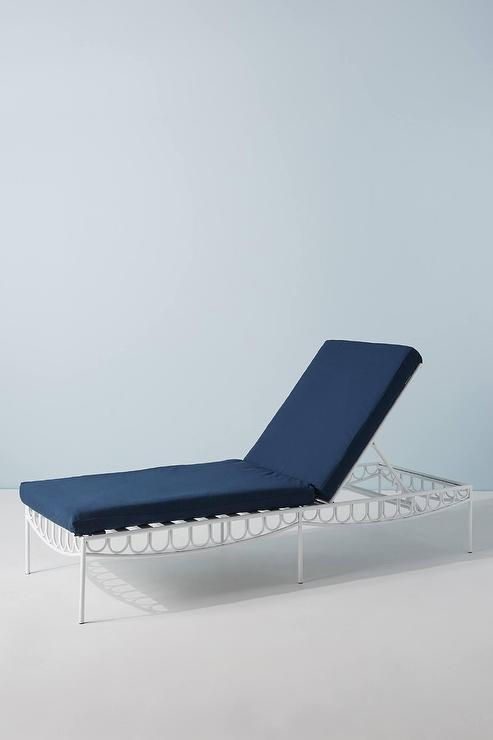 Swell Parker Scalloped White Blue Cushion Lounge Chair Cjindustries Chair Design For Home Cjindustriesco