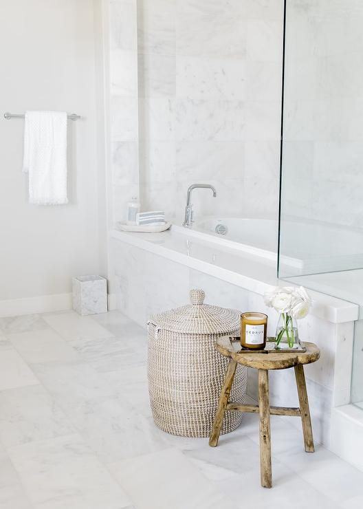 Rustic Wooden Bath Stool Design Ideas