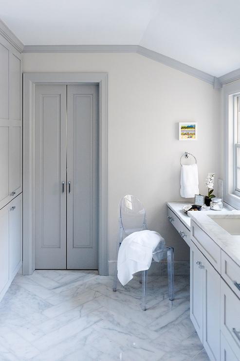 Gray Bathroom Vanity Design Ideas