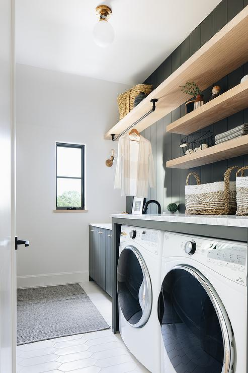 Vertical Shiplap Laundry Room Walls Design Ideas