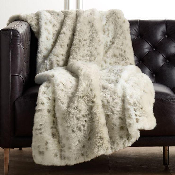 Polar Bear Faux Fur Heart Airgo Chair