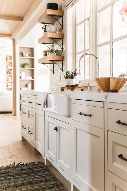 Ivory Kitchen Cabinets With Farmhouse Sink Cottage Kitchen