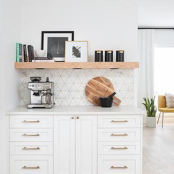 White And Gold Backsplash Tiles Design Ideas